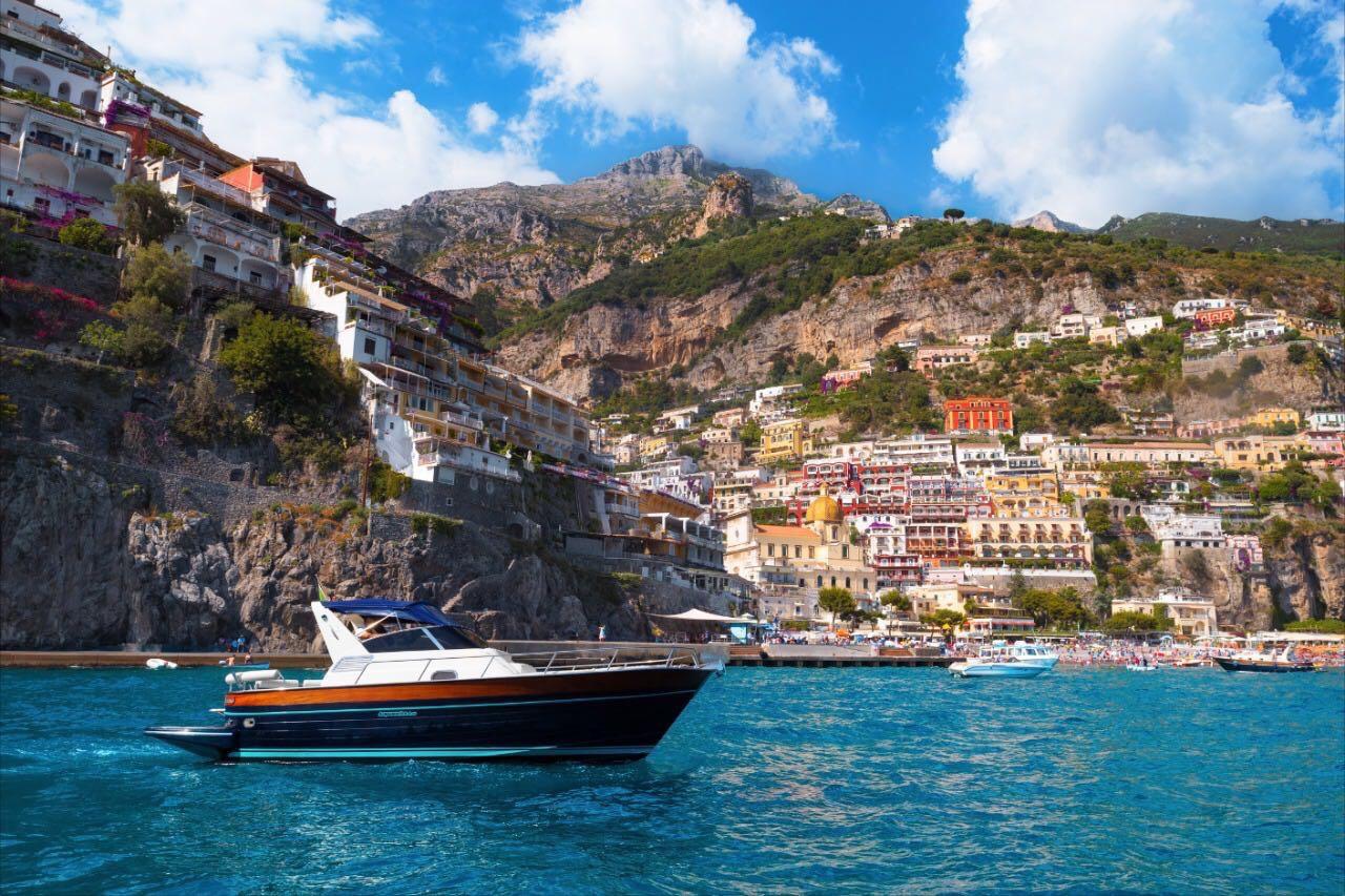Acquamarina 850 Rent Boat