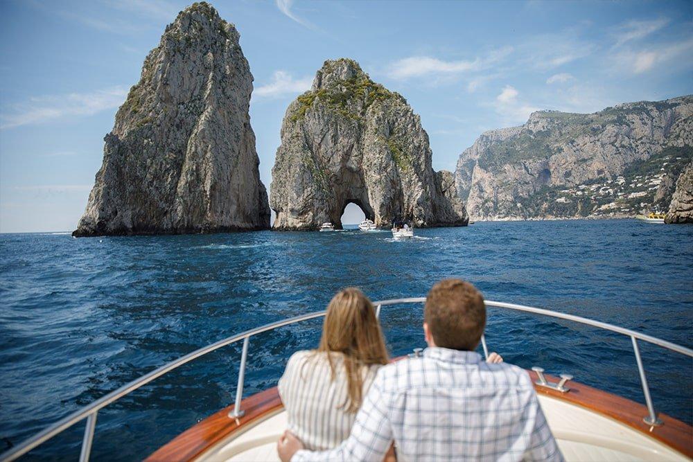 I Faraglioni visti dalla barca