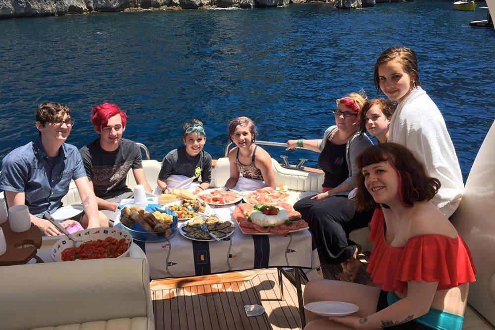 Selfie in barca Ischia Tour