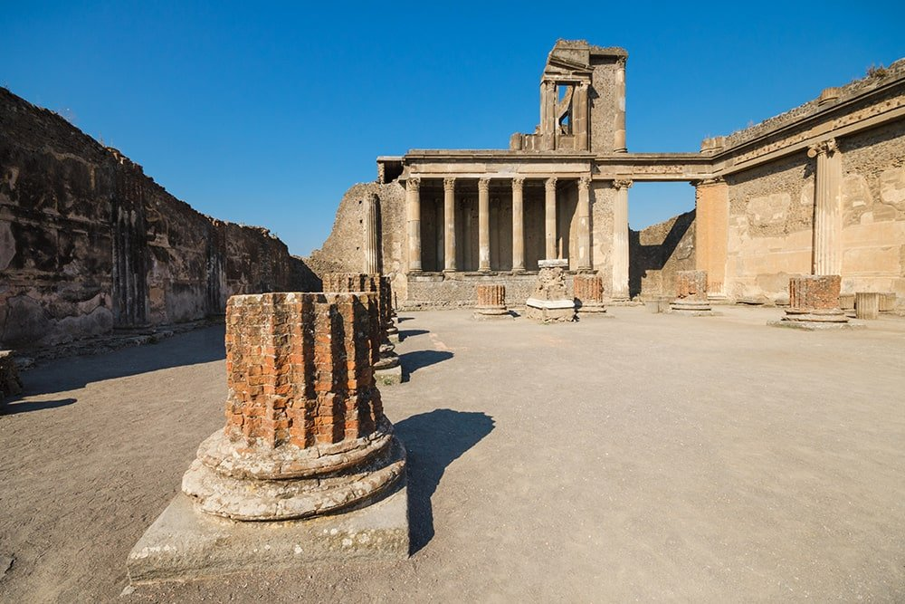 Pompeii Ruins tour by boat