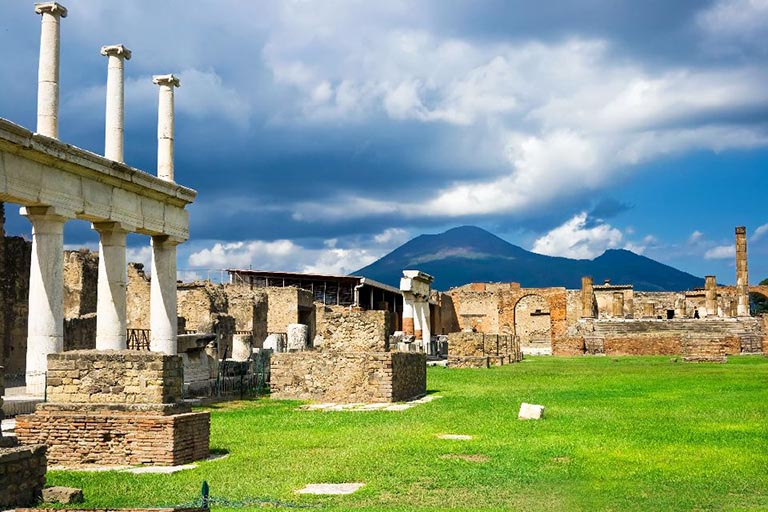 Visit Pompei by Scooter