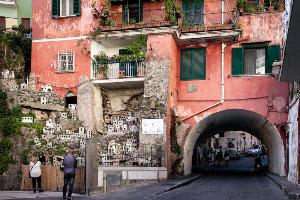 Arco della Faenza e Presepe di Amalfi