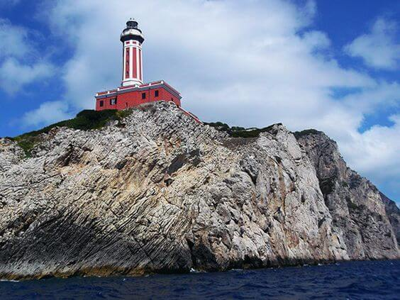 Faro punta Carena