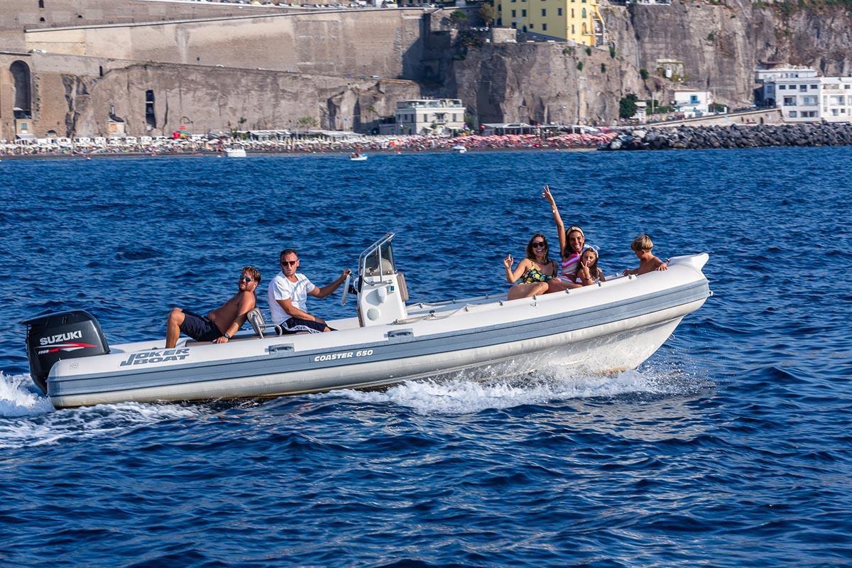 Raggiungere Capri con gommone