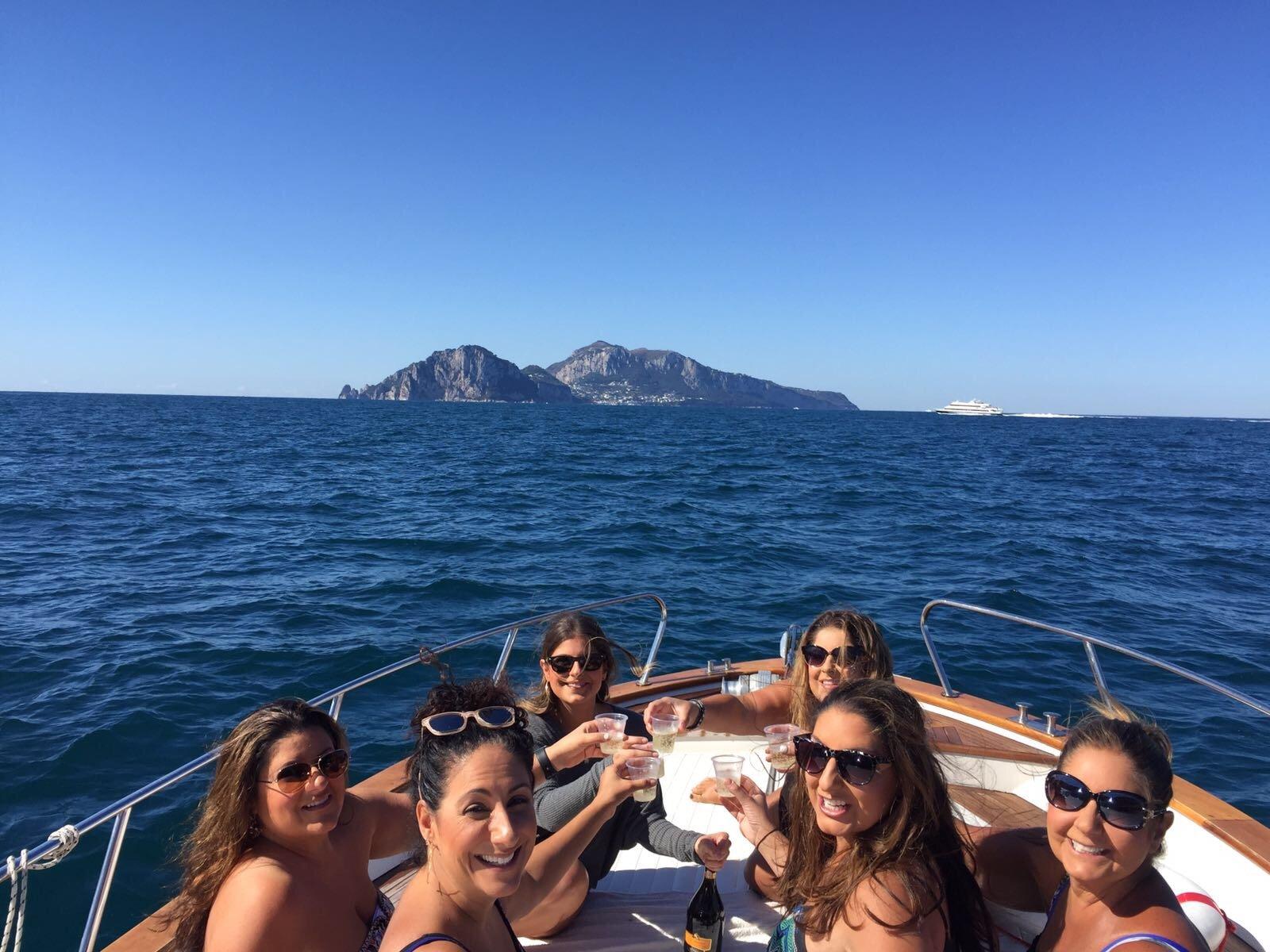 Tour di barca di gruppo