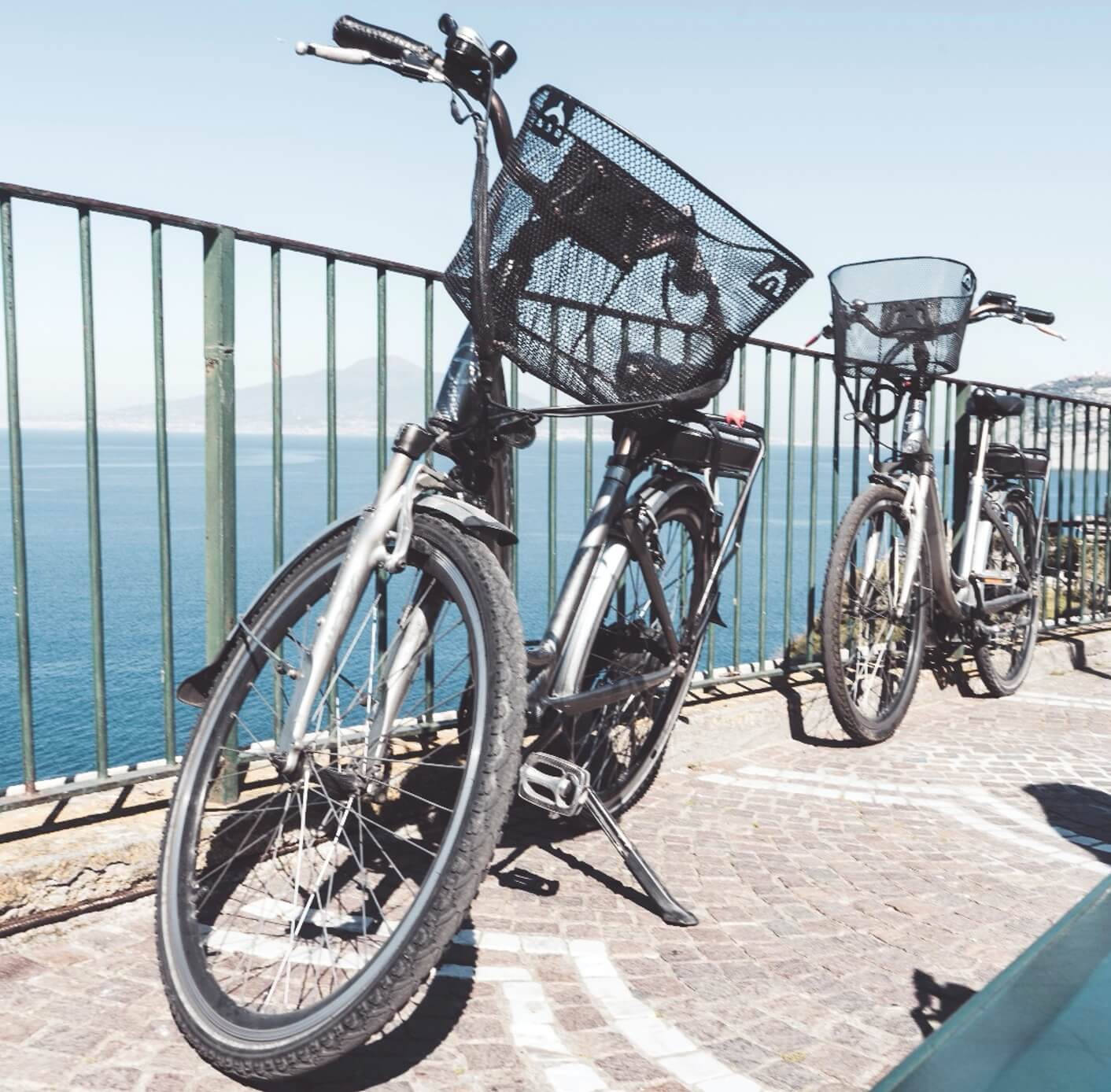 How much does it cost to rent an electric bike on the Amalfi Coast